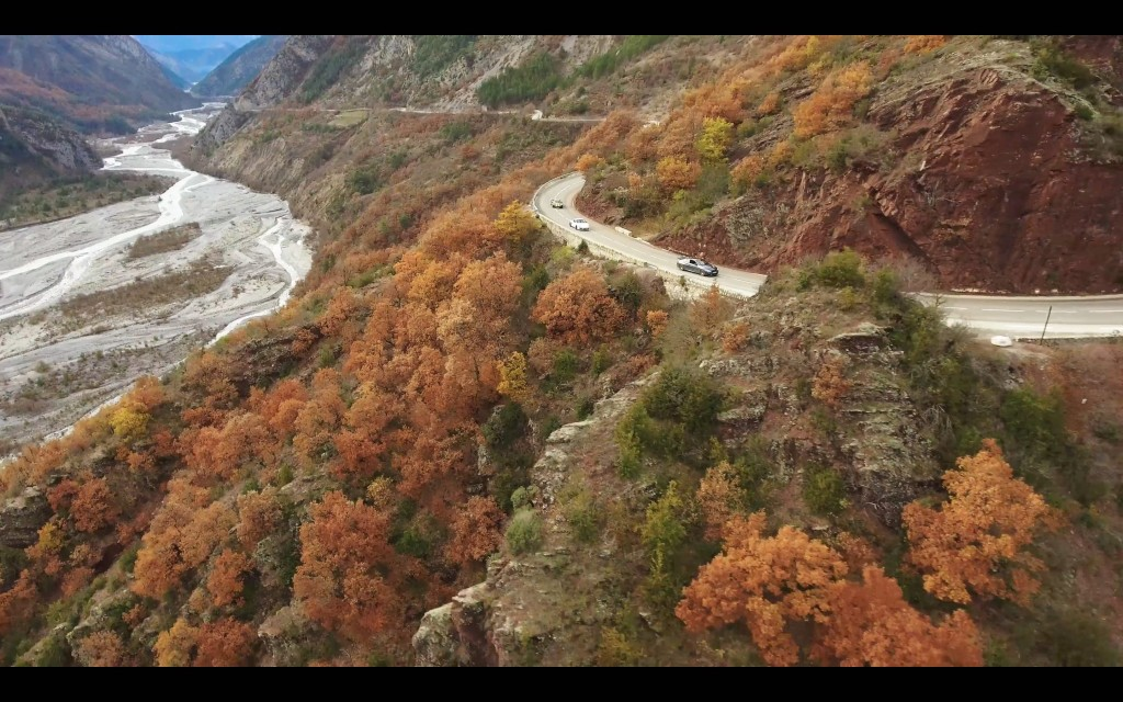 drone-gorges-daluis-genepifilm-publicite-automobile